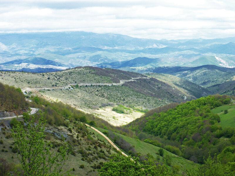 пейзаж в горах с дорогой 198 в парке голия