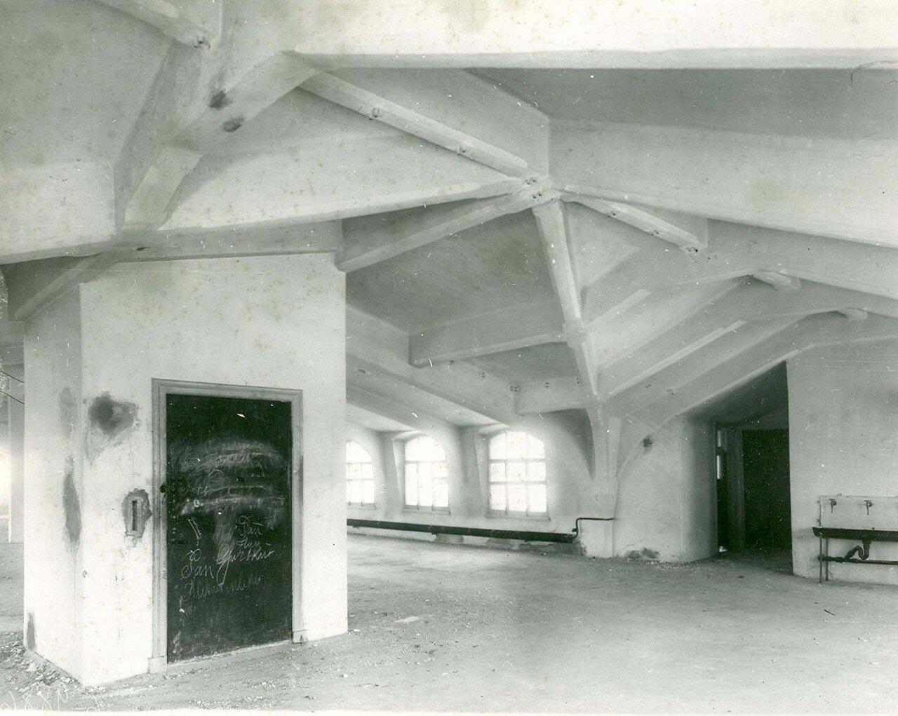 06. Образец железо-бетонной конструкции чердачного помещения