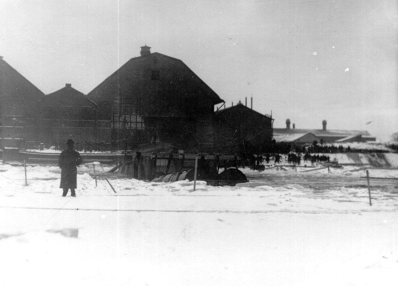 05. Момент спуска подводной лодки со стапелей. Ноябрь 1907