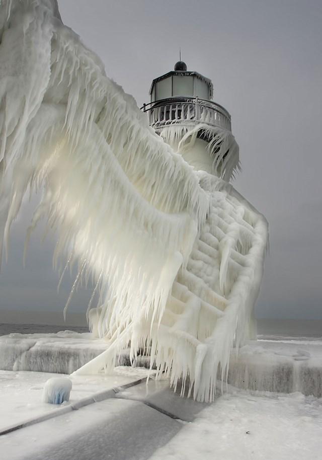 100 самых красивых зимних фотографии: пейзажи, звери и вообще 0 10f5c0 77fe87c5 orig