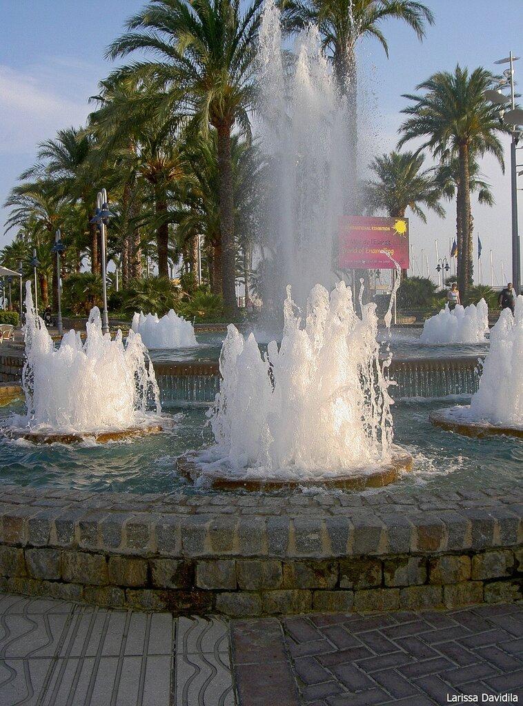 Брызги фонтана.