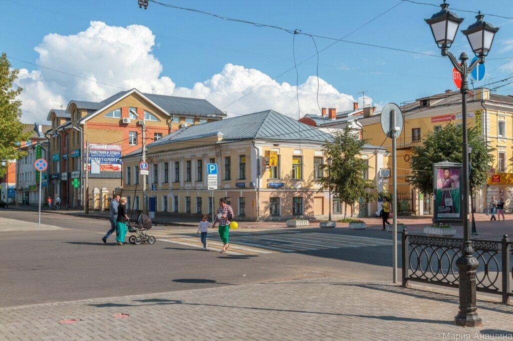Угол Трехсвятской улицы и бульвара Радищева, Тверь