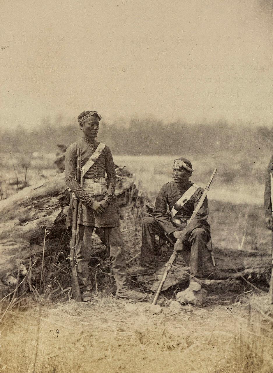 114. Непальские солдаты на заставе