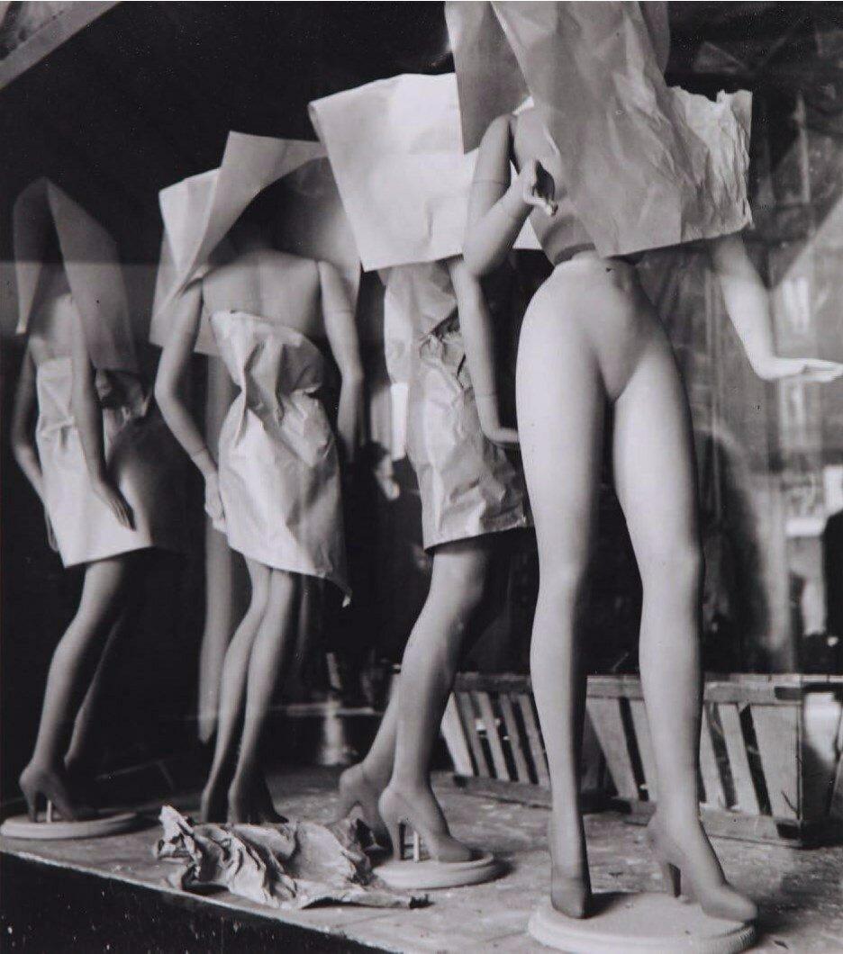 1949. Галерея Лафайет