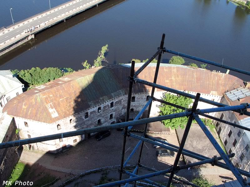 Вид сверху на замковые постройки