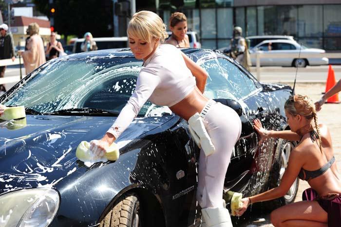 вымыть автомобиль