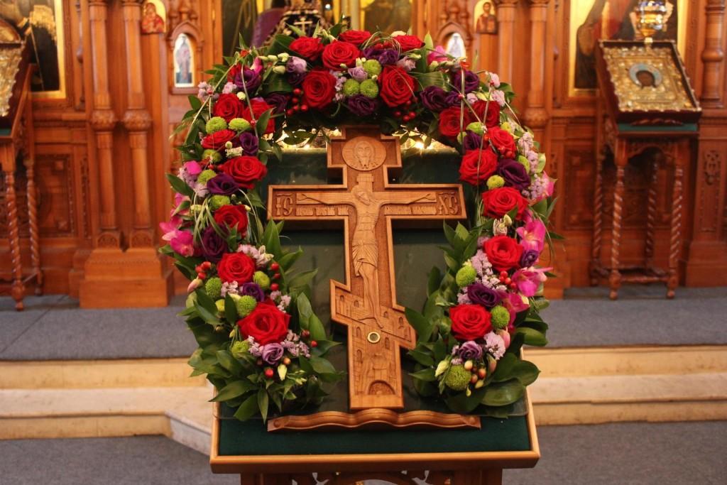 27 числа, все православные люди отмечают праздник Воздвижения Честного и Животворящего Креста Господня