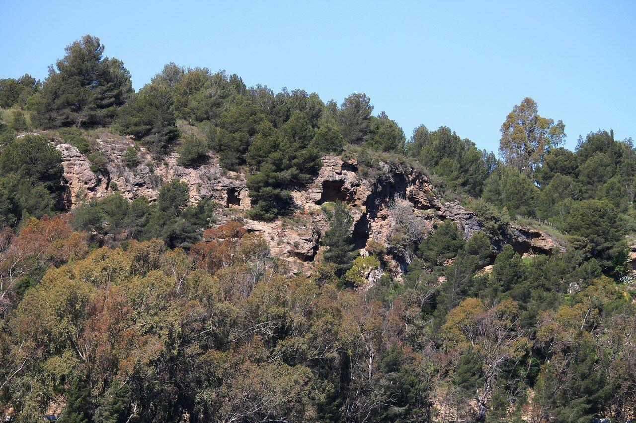 Pico del Cuevo (Mountain caverns)
