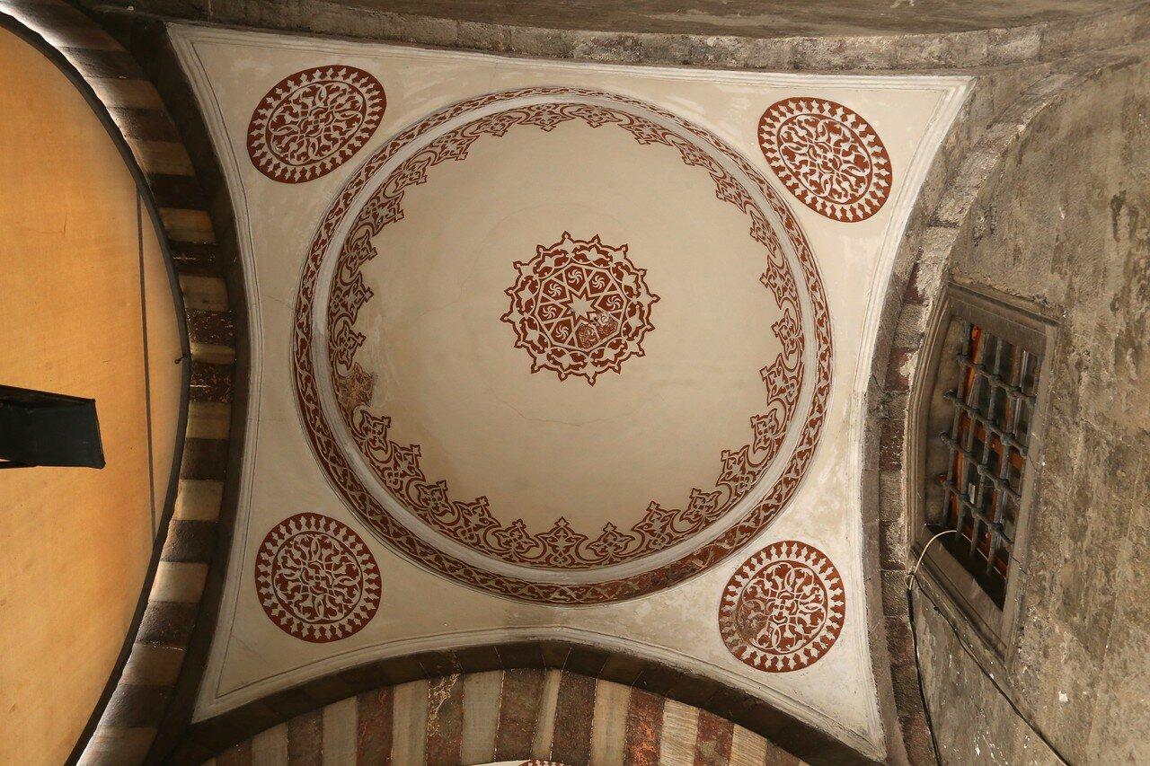 Istanbul. The mosque of Sultan Ahmet, the Blue mosque (Sultan Ahmet Camii). Interiors