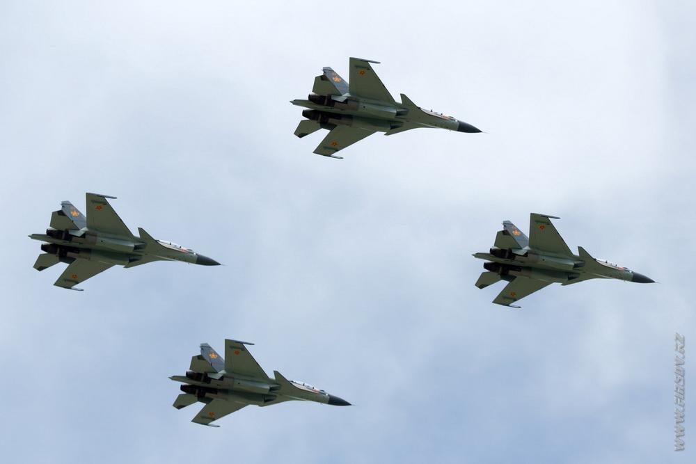 Su-30SM_group_5_TDK.JPG
