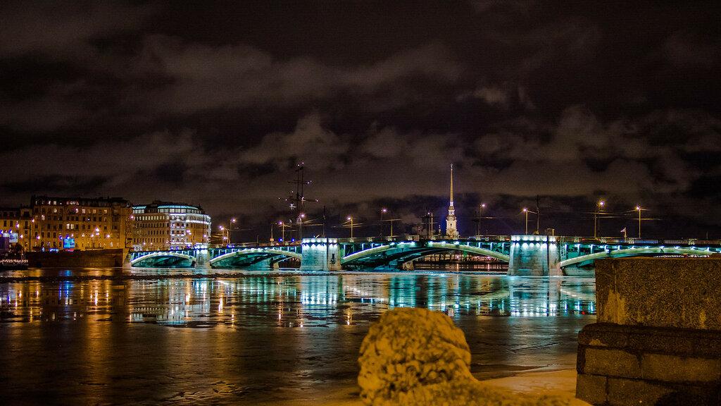 Биржевой мост ночью..jpg