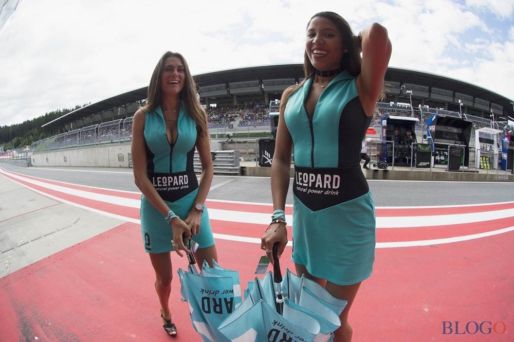 Девушки паддока Гран При Сильверстоуна 2017