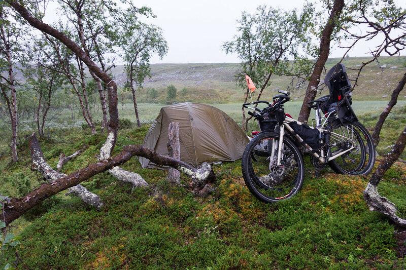 ночевка в палатке cetus 3 в велопоходе по заполярью