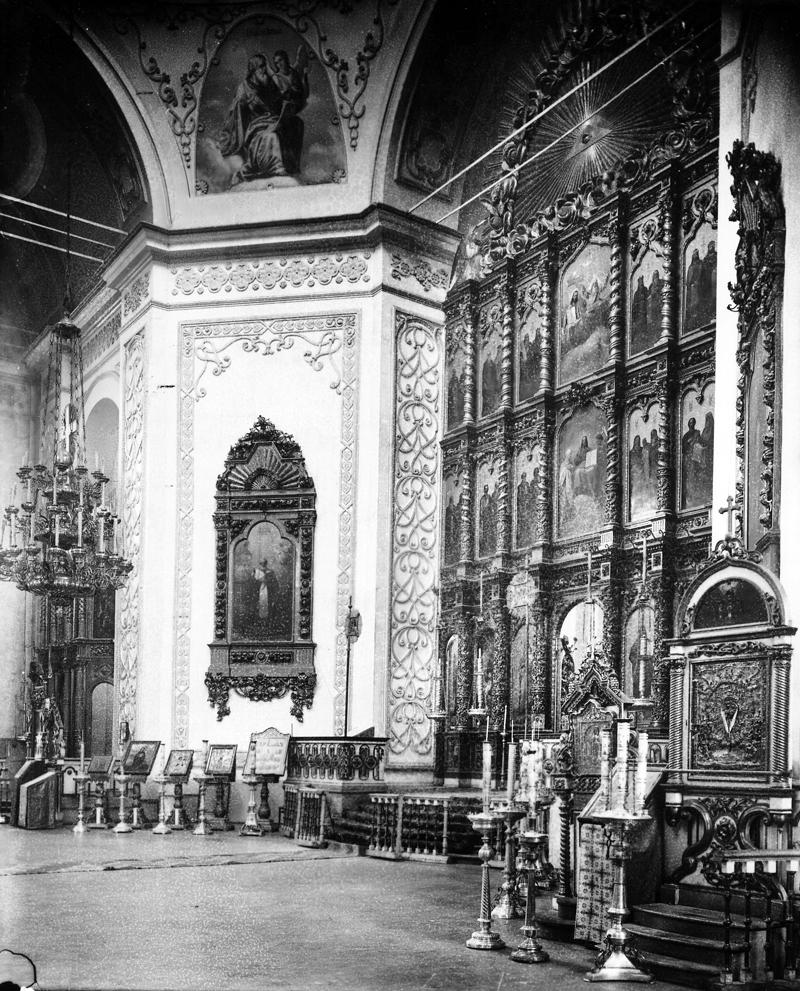 Александро-Невский собор. Центральный иконостас