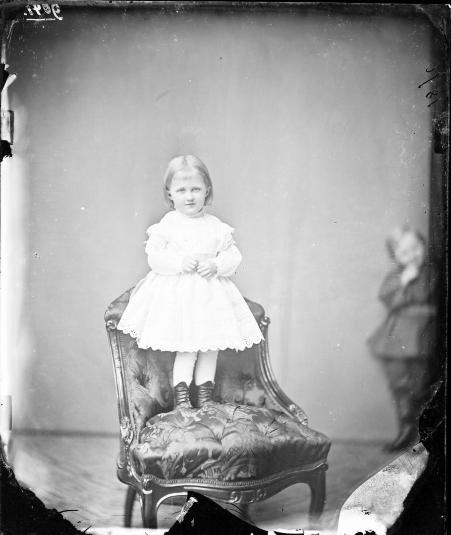 Луиза Шарлотта Мария Агнес Саксен-Альтенбургская (11 августа 1874, Альтенбург—14 апреля 1953, Альтенбург) — принцесса Саксен-Альтенбургская и герцогиня Саксонская, в браке — наследная принцесса Ангальтская. 1876