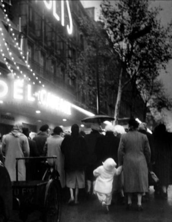 1952. Рождество, бульвар Османа, Париж