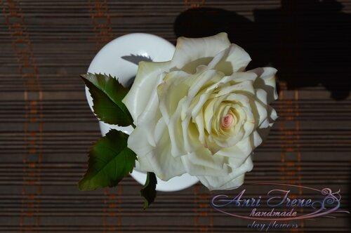 Белая роза из холодного фарфора (полимерной глины)