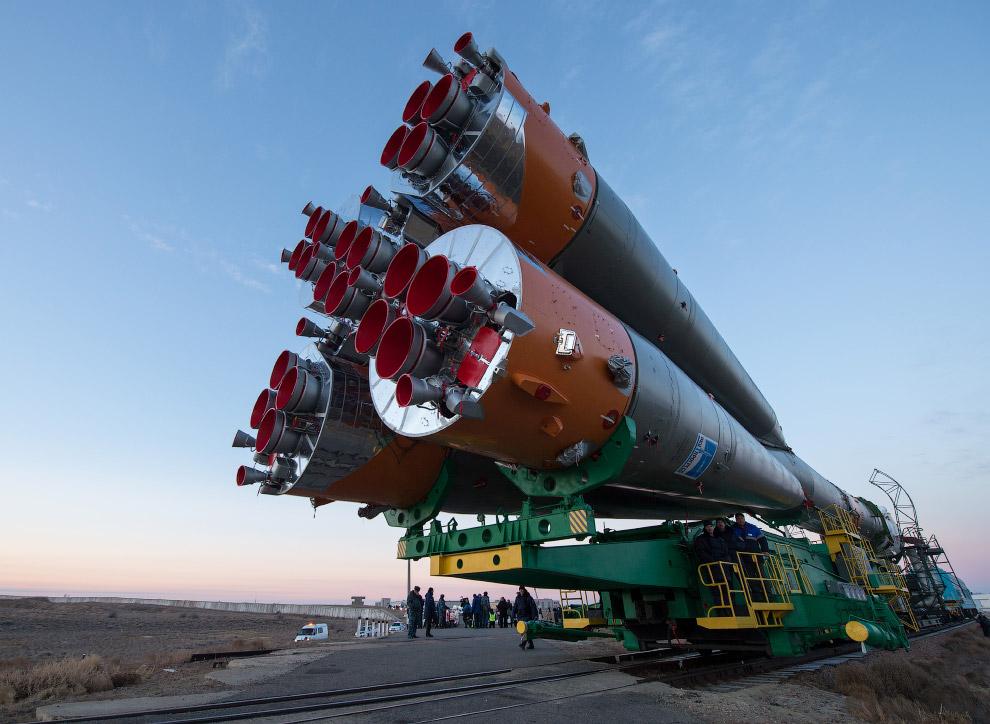 4. Приехали. Следующий этап — подъем ракеты в вертикальное положение на стартовой площадке Байк