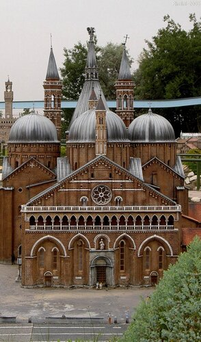 Italia in miniatura - Basilica di Sant'Antonio.