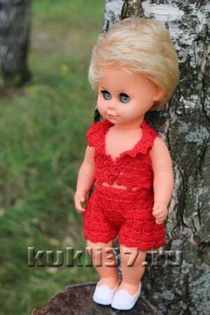 вязаный костюм для куклы