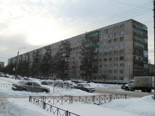 Пражская ул. 15