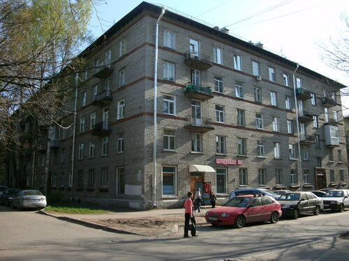 Гданьская ул. 19
