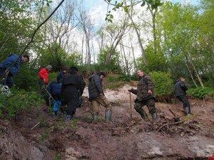 Геологическая экскурсия, копаем девонские обнажения  у д. Яхново, лето 2017 г
