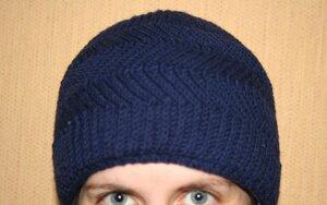 мужская шапка патентной резинкой спицами