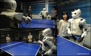 Робот умеет играть в пинг-понг с человеком или вторым роботом