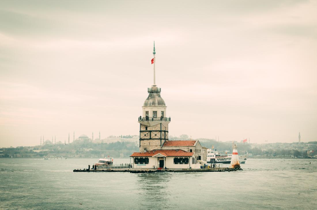 Девичья башня (Стамбул) — расположена в азиатской части Стамбула на небольшом островке Босфорского п