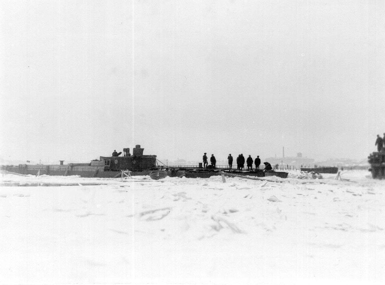 08. Общий вид подводной лодки, спущенной со стапелей. Ноябрь 1907