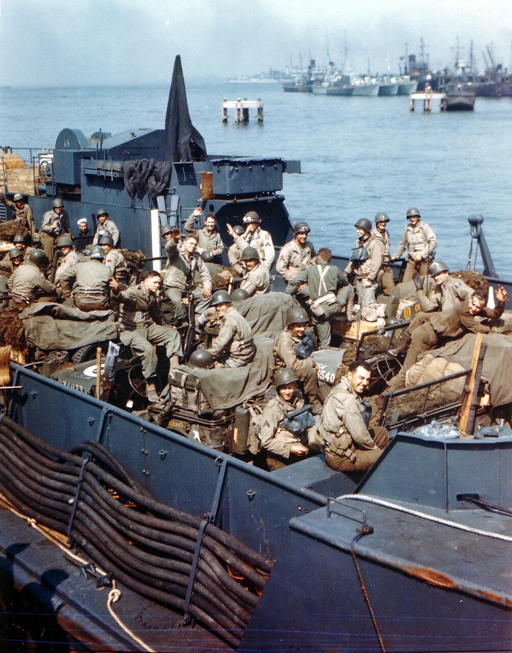 10. Великобритания. Погрузка на корабли в начале июня 1944. Операция Оверлорд