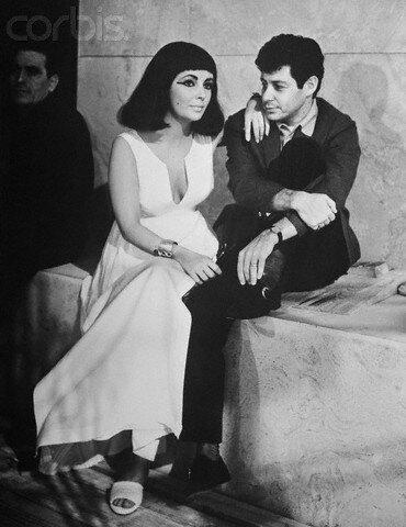 Eddie Fisher and Elizabeth Taylor Conversing