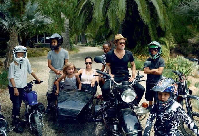 Семья Джоли-Пит приняли участие в фотосессии Vogue