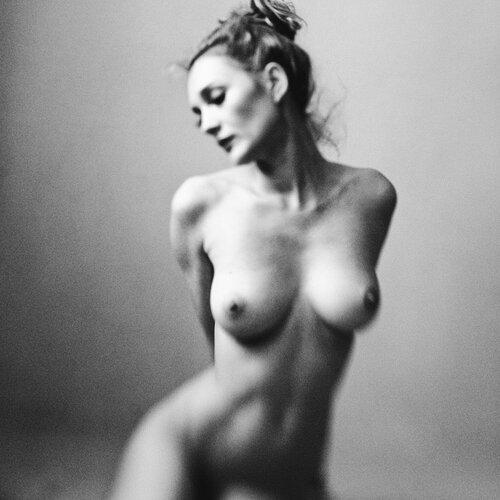 Просмотреть голые тела девушек 19 фотография
