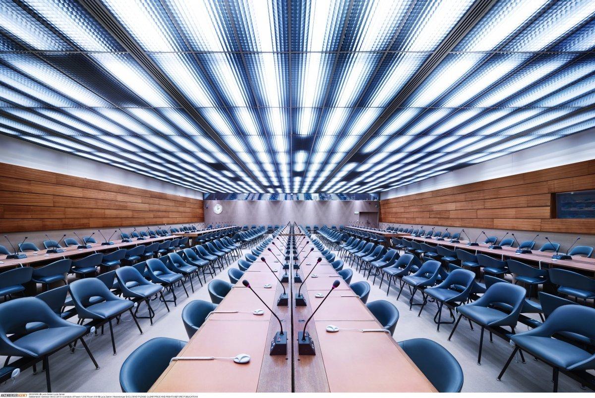 Зал XXIV ООН находится в Женеве и вмещает в себя 260 человек.