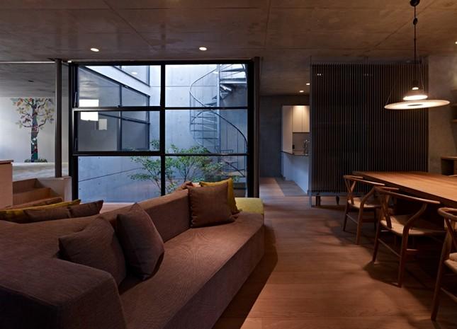 Резиденция на 2 семьи в центре Токио от Keiji Ashizawa Design