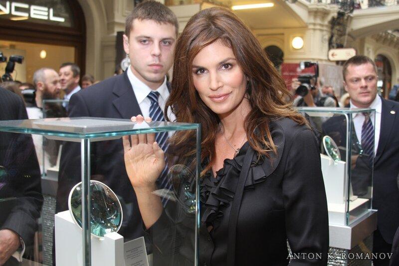 Синди Кроуфорд в Москве, 2011, ГУМ,
