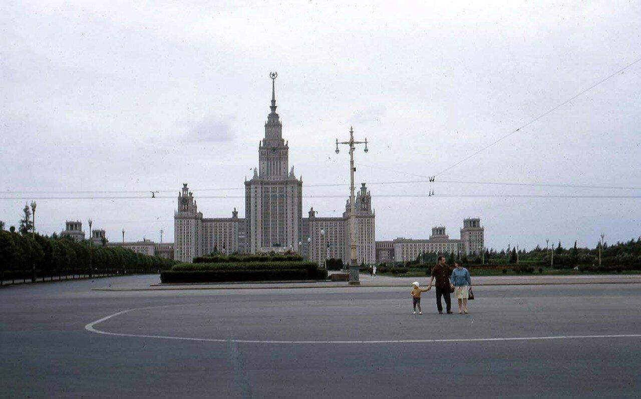 01. Москва. Университет