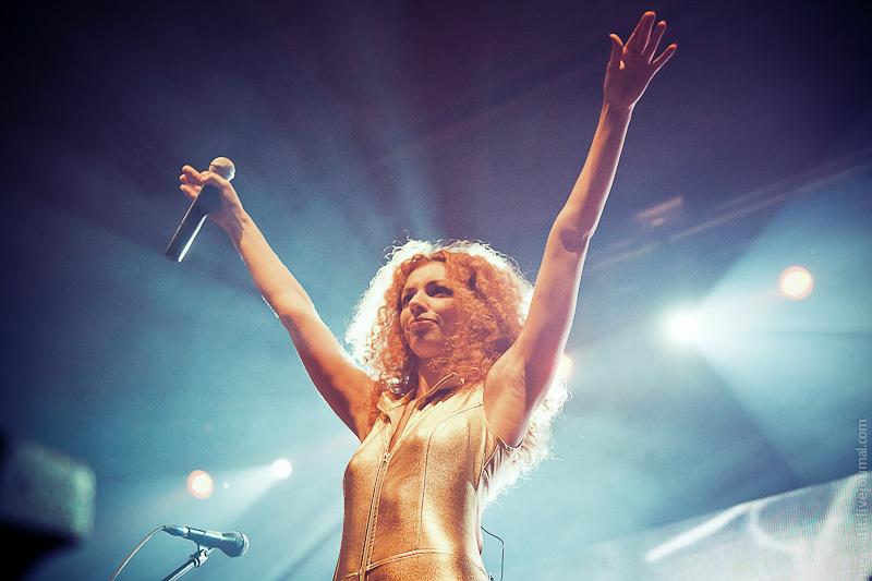 Видео секс на рок концерте поюзаем)