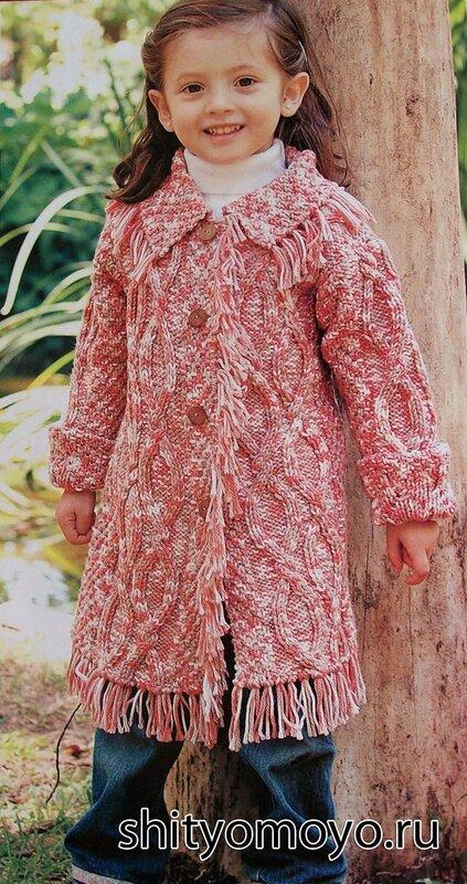 Детское меланжевое пальто, связанное спицами. Описание и схемы бесплатно