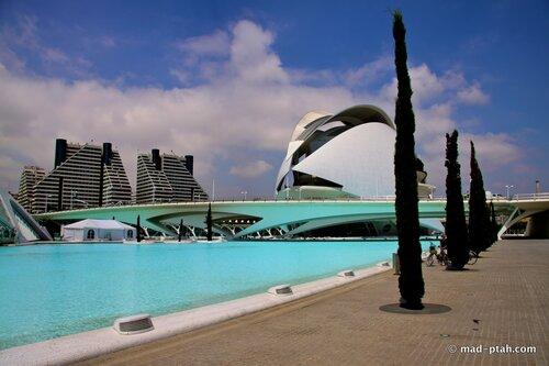 валенсия, испания, оперный театр и бассейн