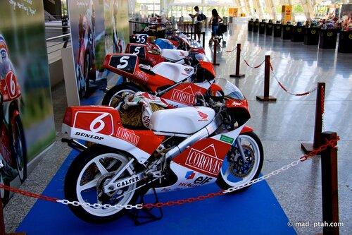 валенсия, испания, музей науки, мотоциклы