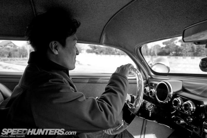 Кондо-сан владеет многими различными автомобилями, и ему интересно все от заниженных тачек до мускал
