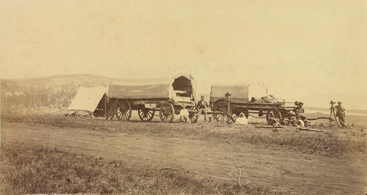 Фургоны на обочине дороги в колонии Наталь