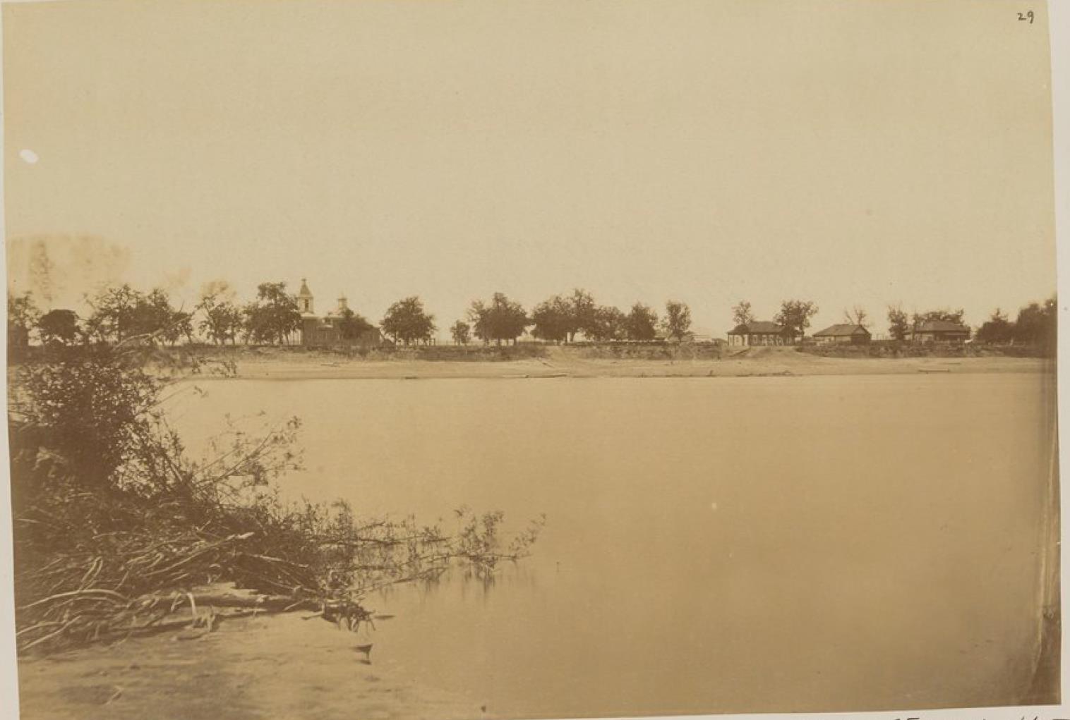 15. Деревня казаков на Амуре, ниже реки Сунгари, которая исходит из Китая и впадает в Амур в 250 км вверх по течению от Хабаровки