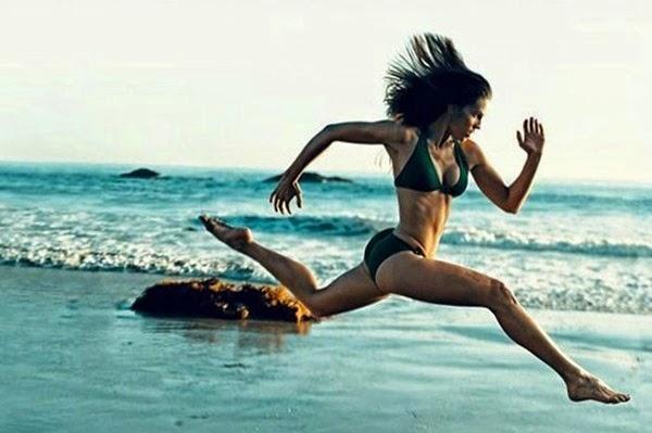 Радостные фотографии прыгающих людей и животных 0 130947 35d53ffb orig