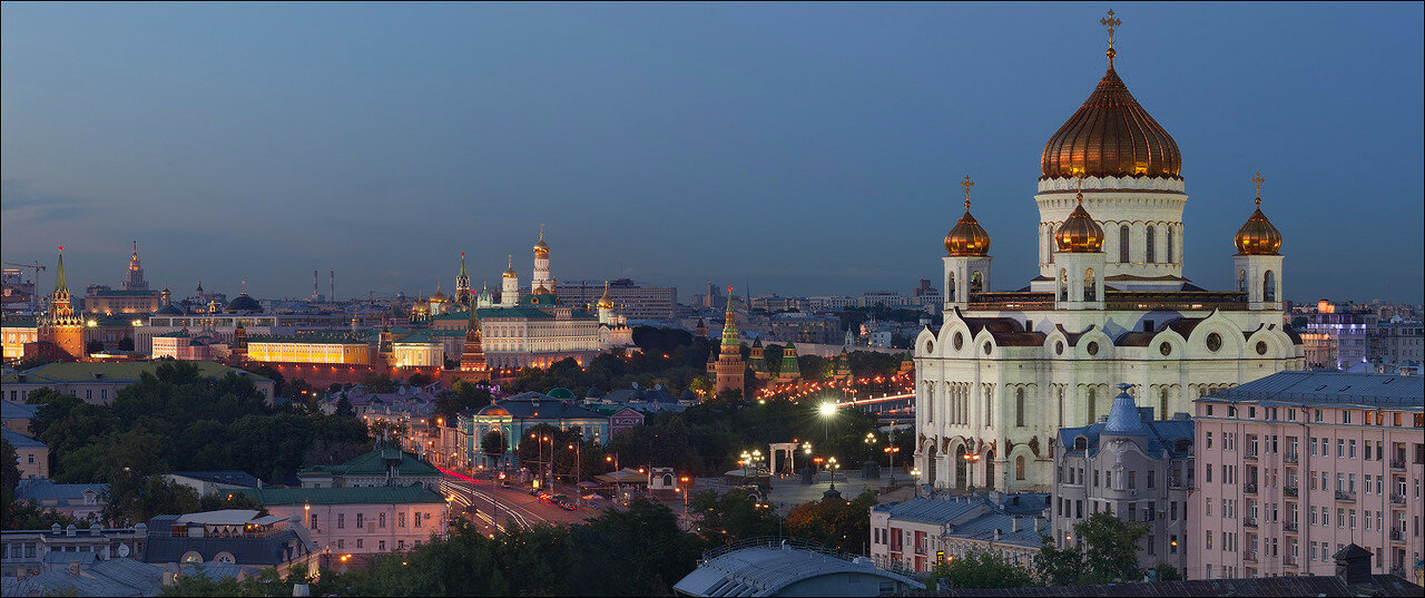 Вид на Кремль и ХХС с Пречистенки