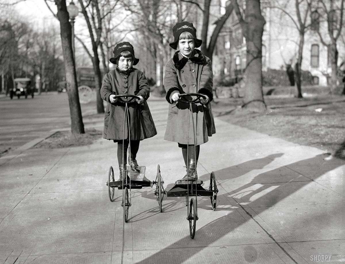 Трехколесные самокаты с педальным движителем - по типу станка для швейной машины с ножным приводом (Вашингтон, 1920 год)