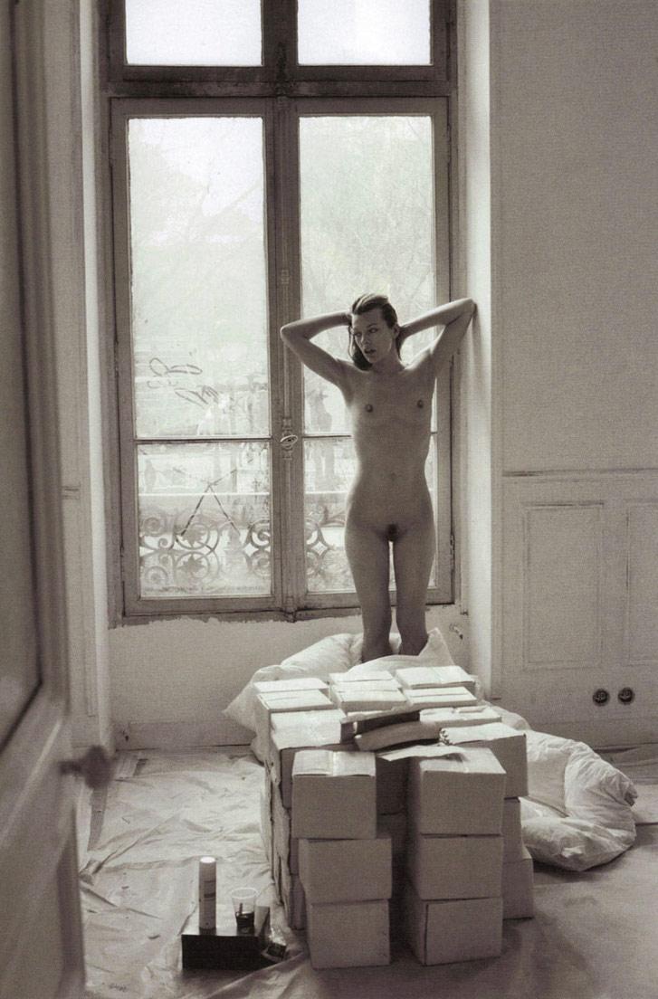 Milla Jovovich / обнаженная Милла Йовович, фотограф Mario Sorrenti в журнале Purple Fashion, осень-зима 2009